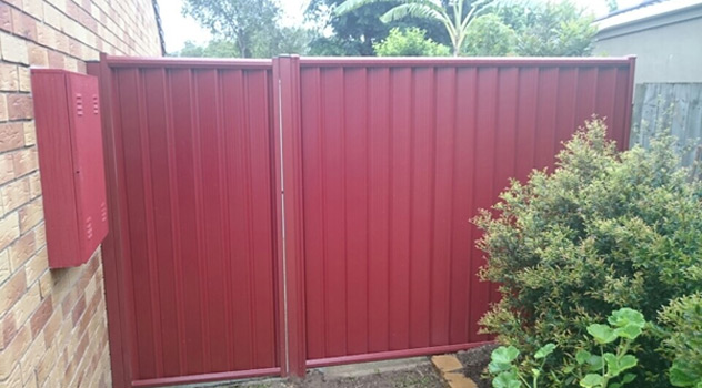Why Choose a Colorbond Fence - Gold Coast
