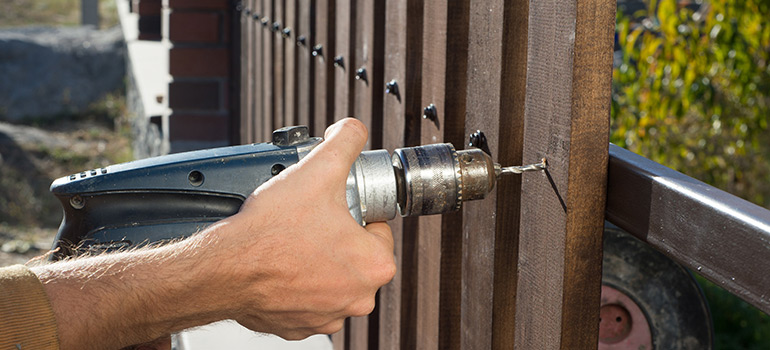 DIY Fencing Installation Or Call In the Professionals - Gold Coast