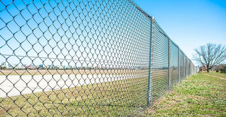 Advantages and Disadvantages of Chainwire Fencing