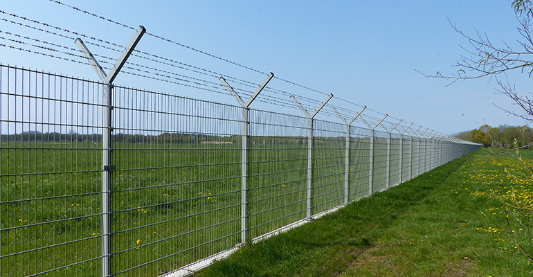 PROS and CONS of Electric Fences